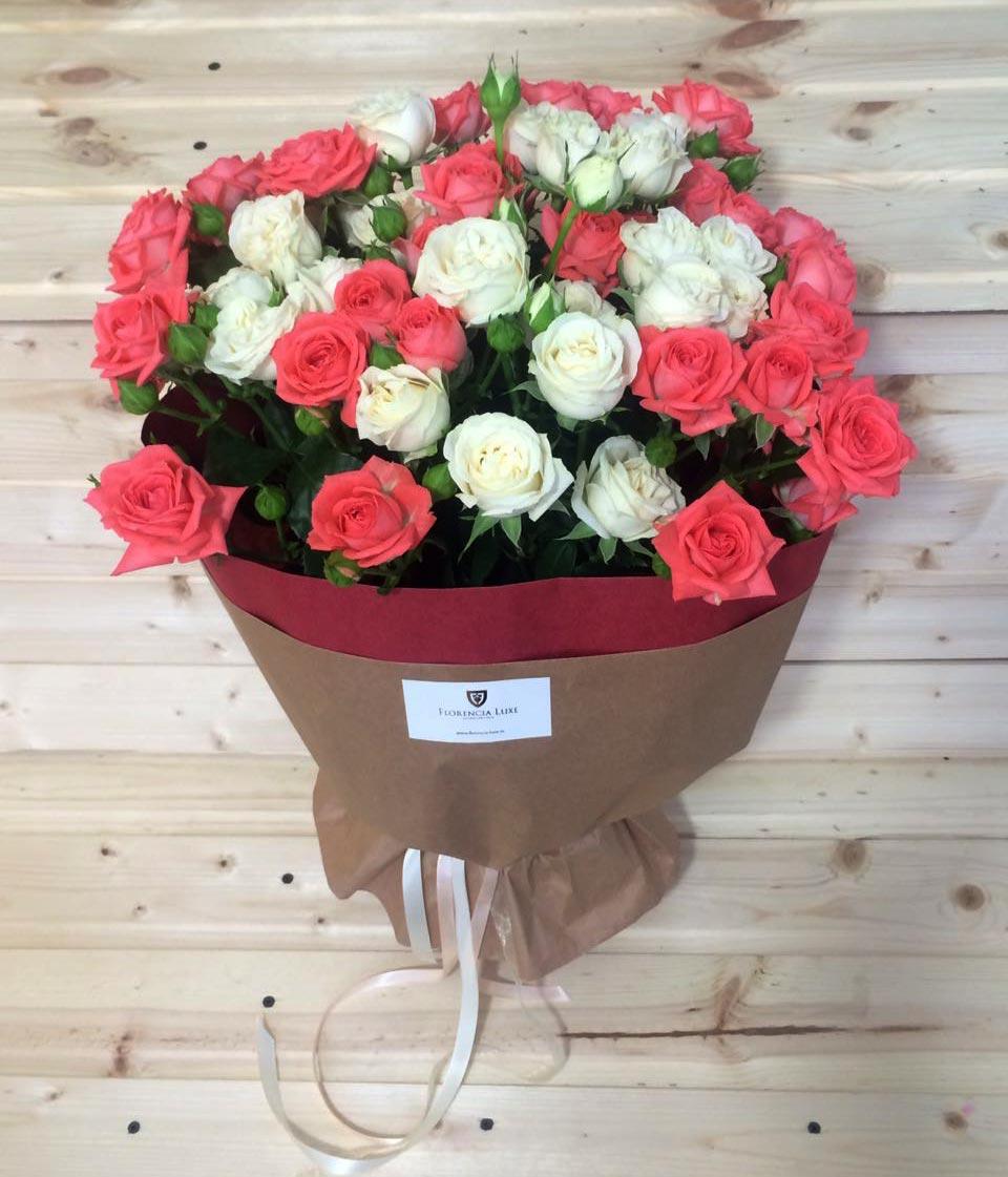Розы пионовидные картинка